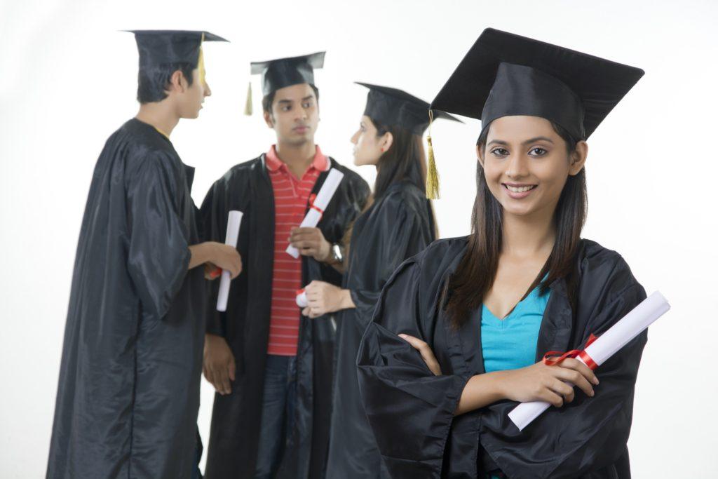 طلاب عرب في سكن جامعي في احدى الجامعات الهندية